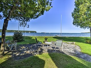 Ephraim Cottage w/Green Bay View - Walk to Beach!