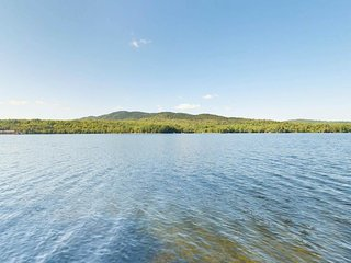 NEW LISTING! Lakefront cabin w/private dock, wood stove & beach access - dogs OK