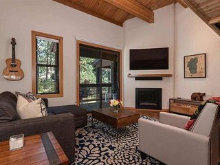 NEW LISTING! Chic mountain condo with shared pool & hot tub, walk to the slopes