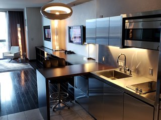 Palms Place Studio with Kitchenette