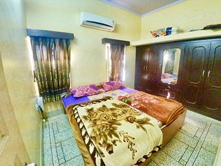 Panna Vilas(Dale): Cozy Private AC room with Terrace/Garden/Patio.