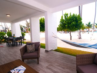 AMAZING ! ON THE BEACH APARTMENT WITH SEA VIEW