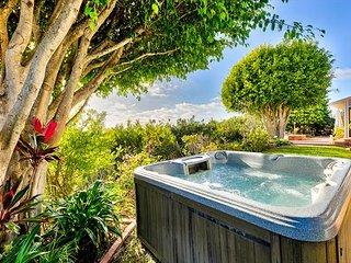 20% OFF APR 1ST-17TH! Spacious Beach Home w/ Hot Tub, Ocean Views+Pool Table