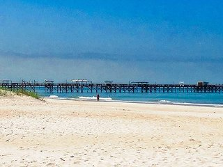 6bdr/4bath Beachside Apts 1, 2, 3, and 4 Steps from Door to Sand n Shore!