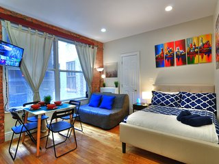 New York Holiday Apartment 11703