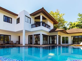 Surin Springs Villa 4