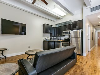 Gorgeous 1BR Condo Steps from French Quarter and Harrah's Casino