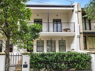 Newtown Spacious Family Home Near Sydney Uni