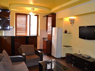 Home Elite Yerevan 'Apartment in the city centre (Khorenatsi 25)'