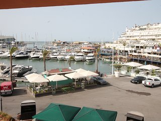 Marina Gardens Vilamoura Large 2 +1 bedroom apartment sleeps up to 8