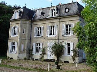 Chateau de Mons Boubert-Chambre double de luxe 2 eme etage