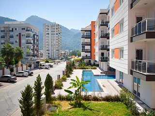 D4: Spacious 2 bedroom, mountain view, free wifi & parking, breakfast available