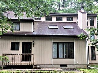4 BDRM House in Bushkill