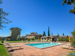 Manor with private pool, big garden, large porch for outdoor dining a 100km Rome