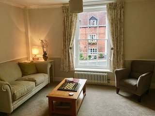 Luxury 2 bedroom Self Catering Apartment in one of Ludlow's finest streets