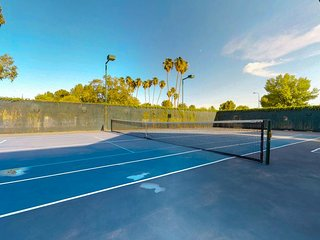 NEW LISTING! Ranch-style home w/private pool, tennis court, grill - dogs OK