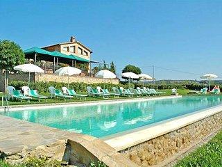 2 bedroom Villa in Castelnuovo Berardenga, Tuscany, Italy : ref 5311552