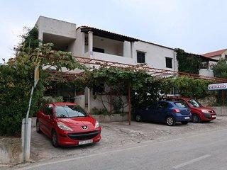 2 bedroom Apartment in Supetar, Splitsko-Dalmatinska Zupanija, Croatia : ref 567