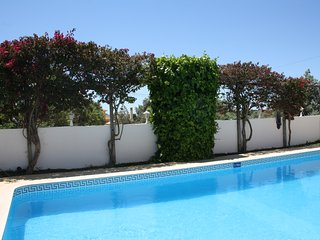 Chambre triple vue piscine
