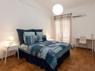 Lovely 2 bedroom apt in Metaxourgio Center