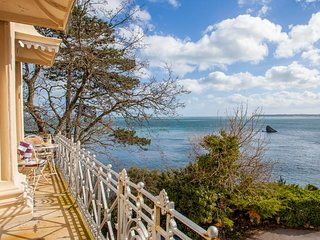 Balcony Belle 15b - Classic Style Living, with Wonderfull Sea Views