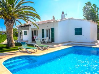 Catalunya Casas: Villa Anco for 8 guests, only 1.5km to the beaches of Menorca!