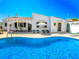 Catalunya Casas: Villa Nuva for 6 guests, just 6km to Menorca beaches!