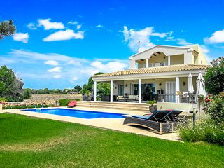 Catalunya Casas: Villa del Mar for 6 guests in the heart of Menorca,only 9km to