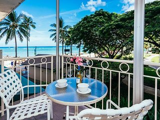 Ocean View Beachfront Waikiki Shore Condo with Full Kitchen