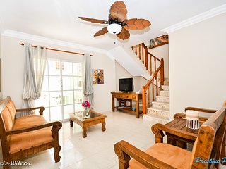 PALM SUITES - Comfortable & Beautiful 3BR Penthouse
