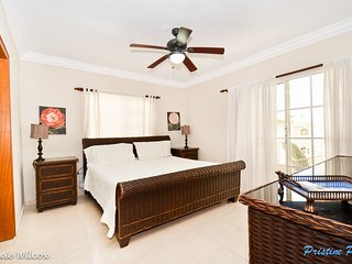 PALM SUITES - Comfortable & Beautiful 3BR Penthouse