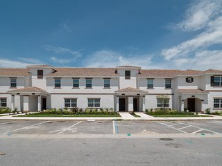 8921SID - The Retreat at ChampionsGate