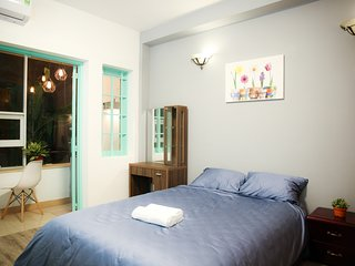 Spacious, Convenient Studio w/ Balcony - 1 min to Ben Thanh Market