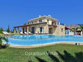 ELITE - 6 Bedrm - Brilliant Luxury Villa Sleeps 14
