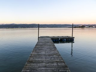 Rustic Cottage on Knysna Lagoon with private Jetty #Yellowwoodcove