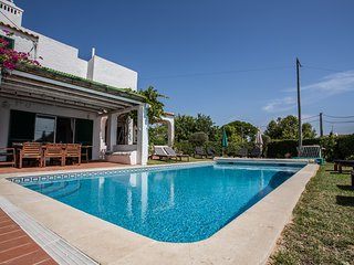 Casa do Alto - villa sleeping 10 with sea views, private pool, town location