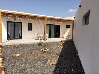 Villa composta da due appartamenti da 2 a 10 posti letto