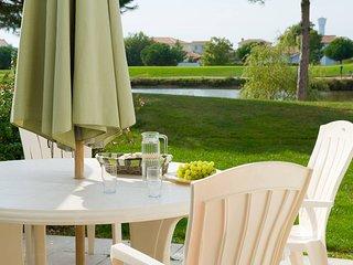 Maison ensoleillee avec terrasse privee | Pres du terrain de golf