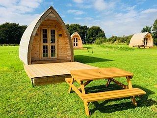 Higher Culloden Farm - Polestar Cabin - Glamping Pod Holidays