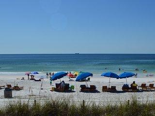 Seaside Villas - 2/2 Sleeps 4 - Beachfront
