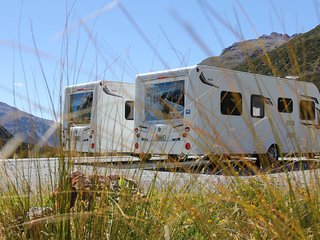 NZ4u2u Modern Luxury Caravan Hire