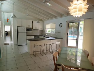 15 Larapinta Court - Family home with swimming pool in a quiet street and centra