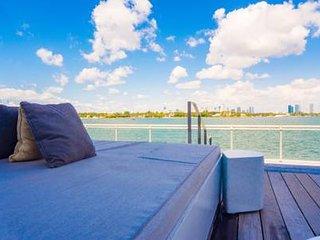 Bayfront 5-Star Luxury Hotel-Water View Studio