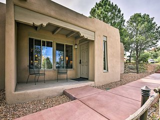 NEW! Cozy Santa Fe Condo w/Amenities-Walk to Plaza