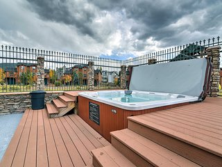 NEW! Dillon Condo w/ Hot Tub - 10 Mins to Skiing!