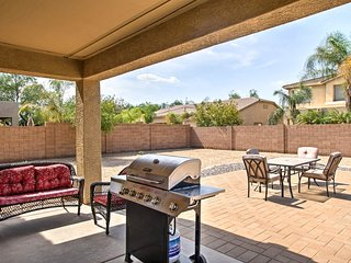 Beautiful 6 BR Chandler Home w/ Den, Patio & Yard!
