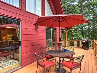 Updated Mountain Cabin Retreat in Murphy w/ Views!