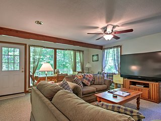 NEW! Bridgton Condo w/ Deck - Near Shawnee Peak!
