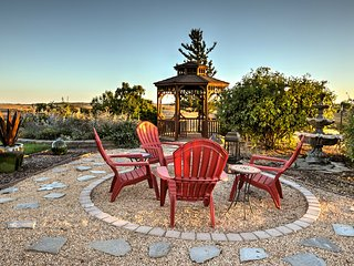 NEW! Hilltop Paso Robles Home w/ Endless Views!