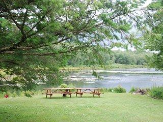 Lakefront Poconos Getaway